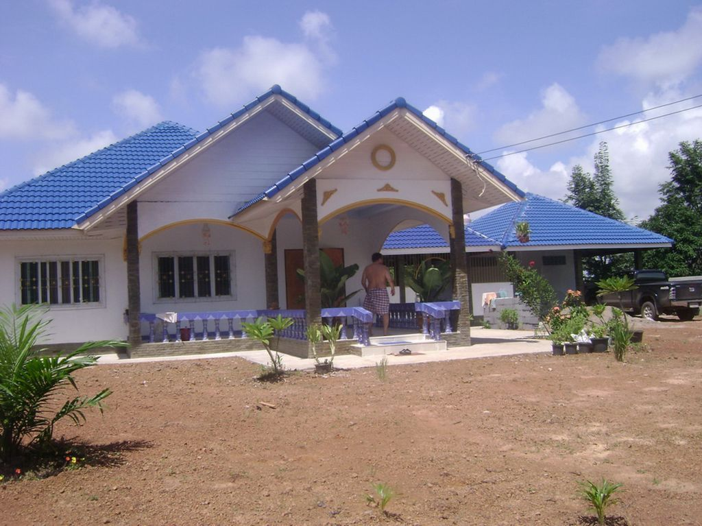 Thai house plans small 3 bed 2 bath bungalow page 2 for Small house design thailand