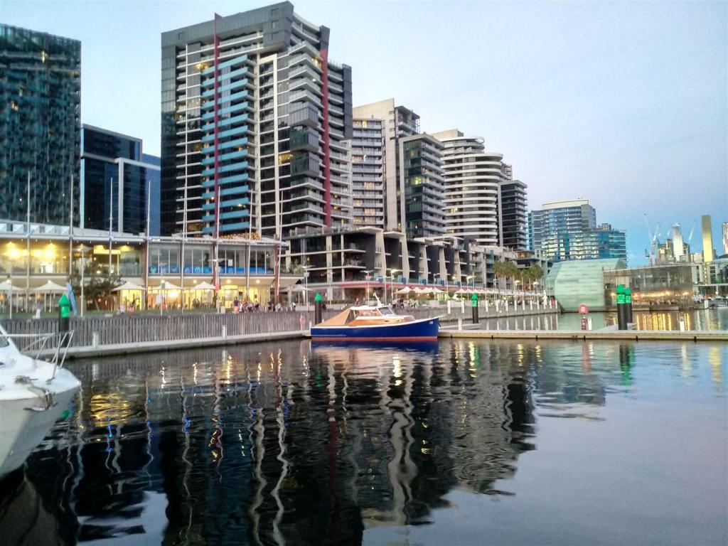 A Daunder Round Docklands-img_20190211_213746_hdr-jpg