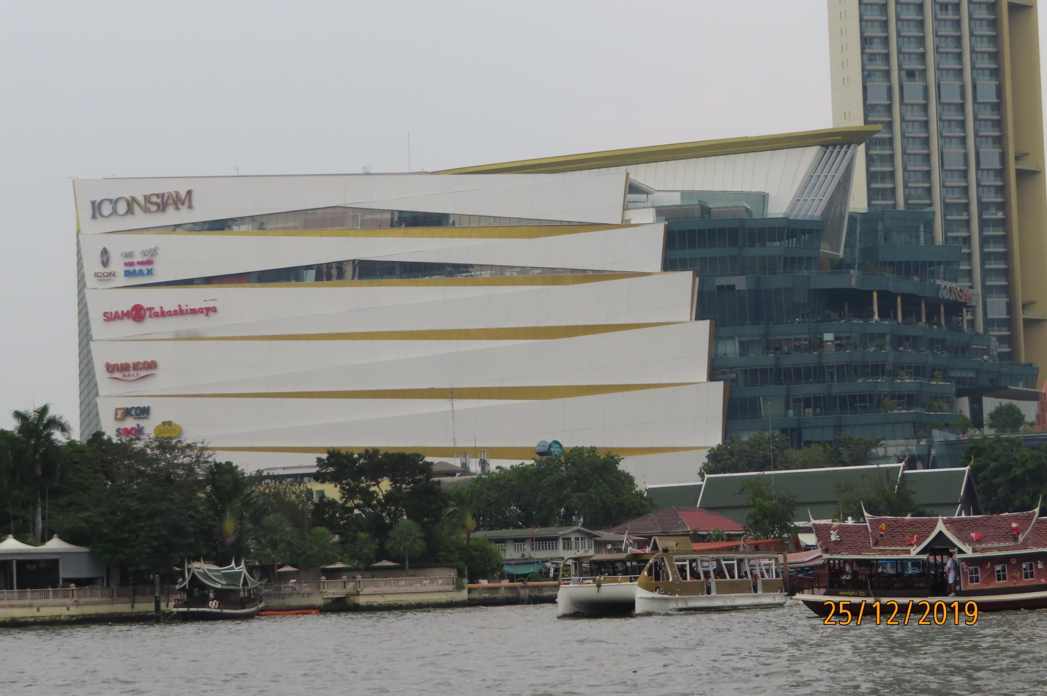 Christmas Day on the Chao Phraya River-img_1854-jpg