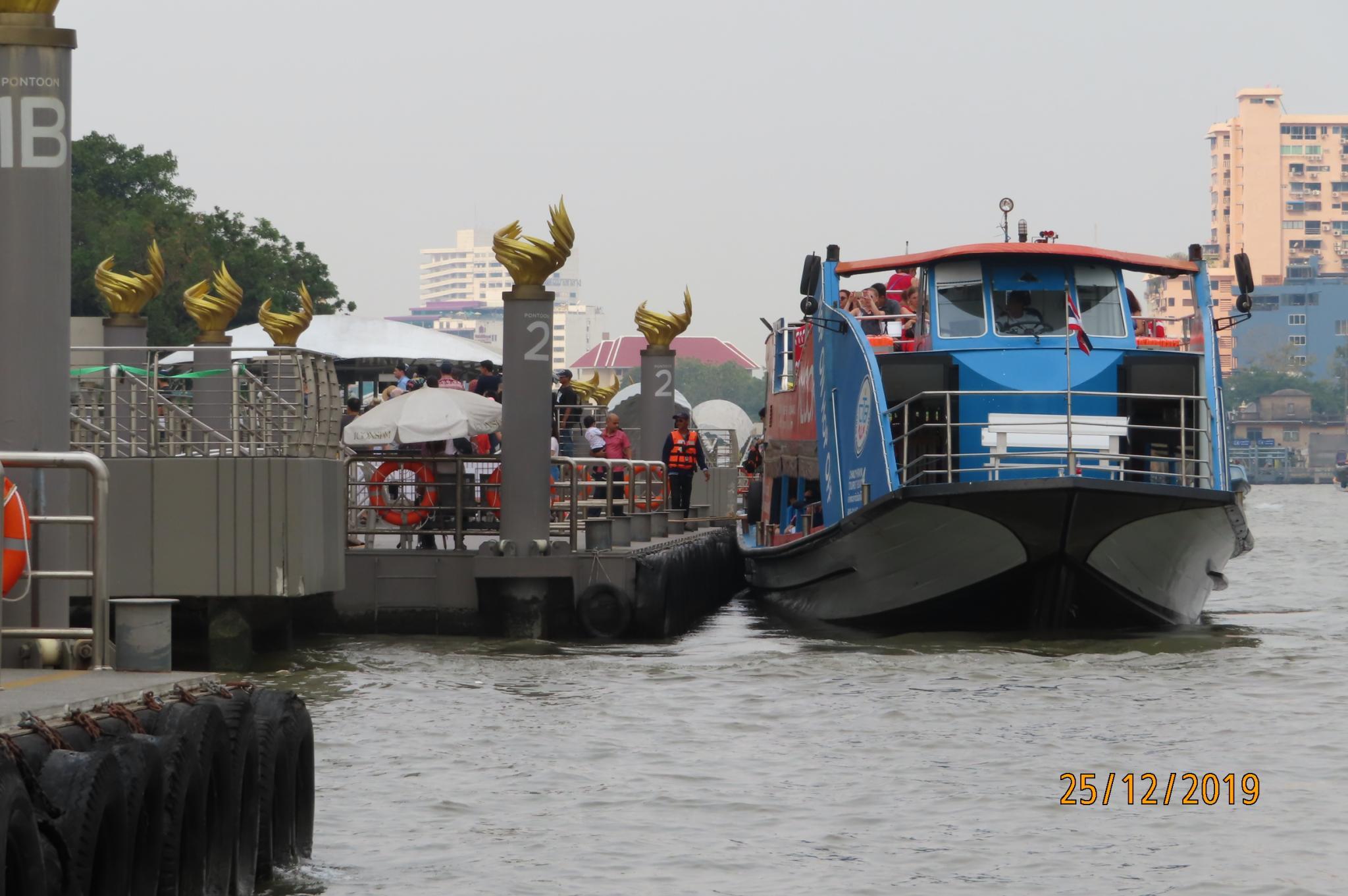 Christmas Day on the Chao Phraya River-img_1865-jpg