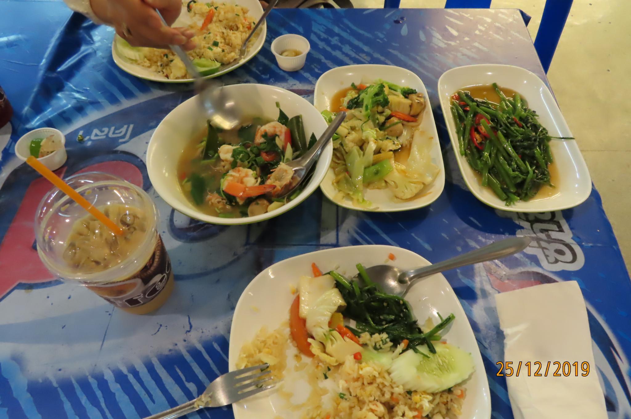 Christmas Day on the Chao Phraya River-img_2079-jpg