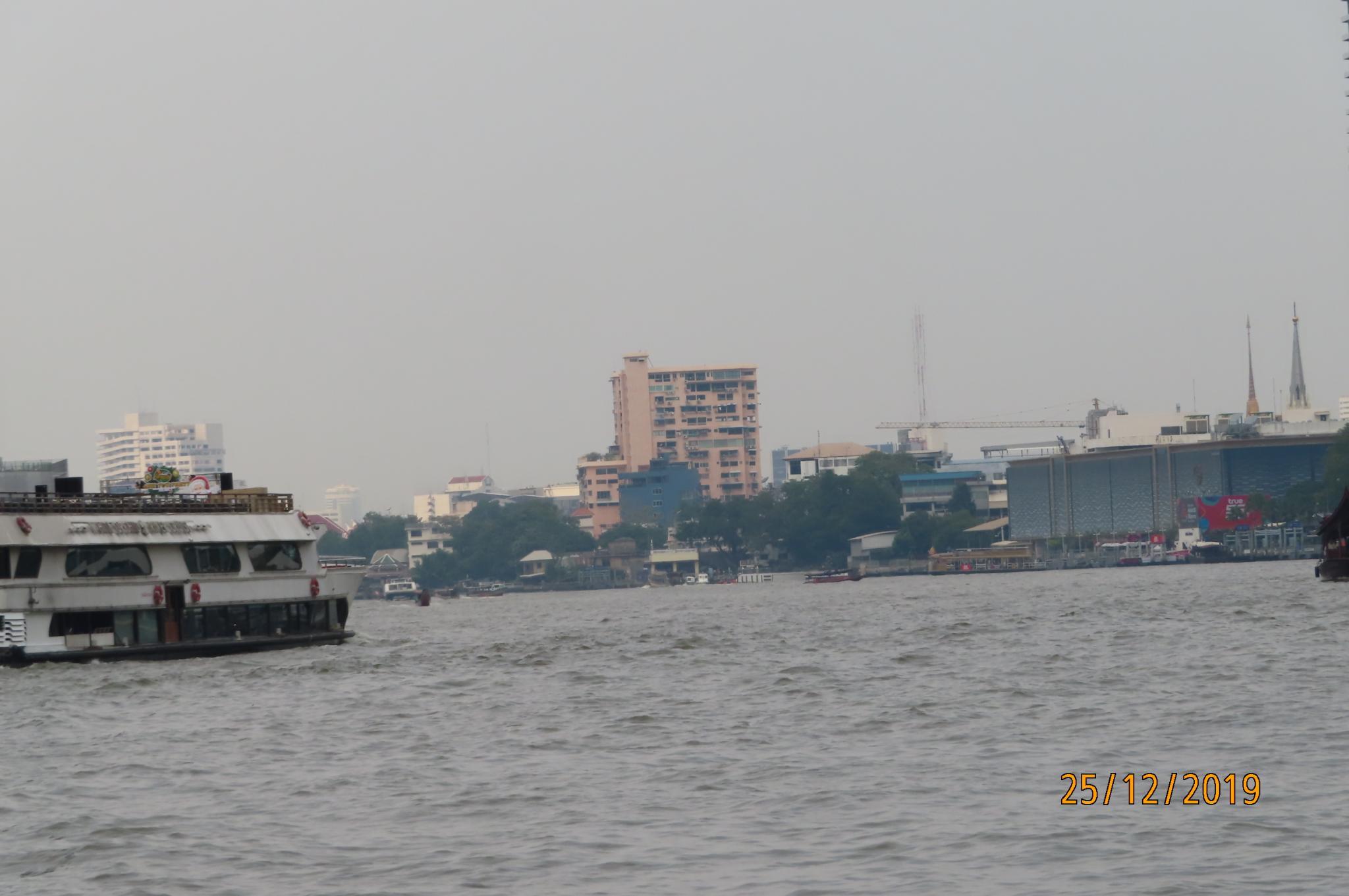 Christmas Day on the Chao Phraya River-img_1847-jpg