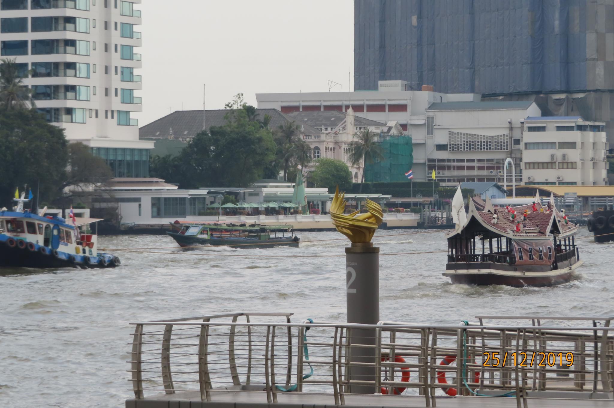 Christmas Day on the Chao Phraya River-img_1882-jpg