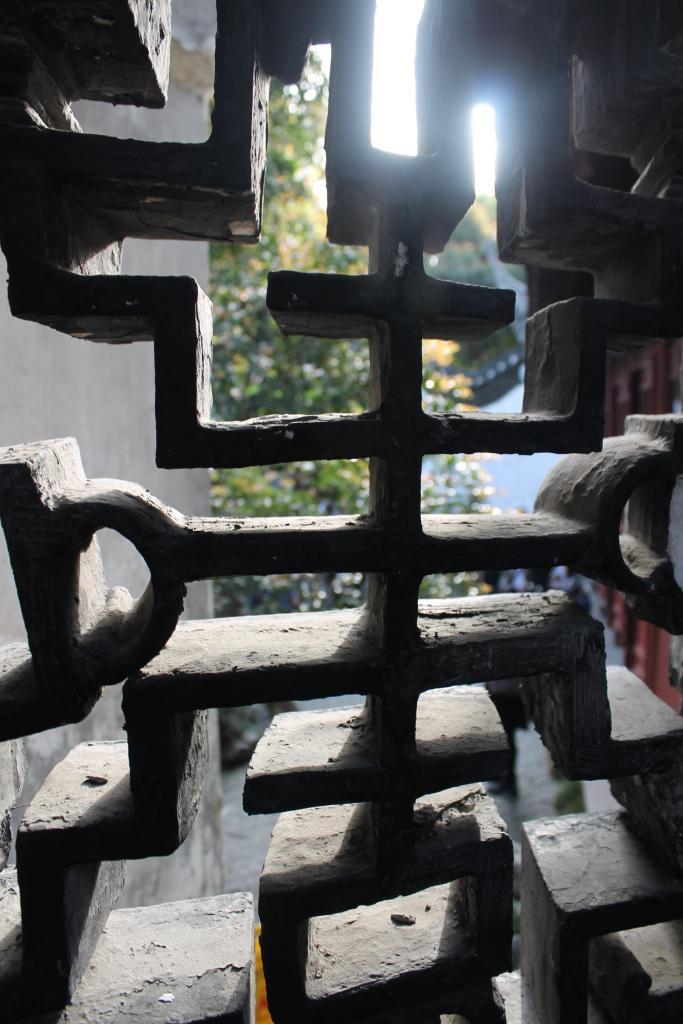 Jing'an Temple and YuYuan Gardens in Shanghai-img_5309-jpg