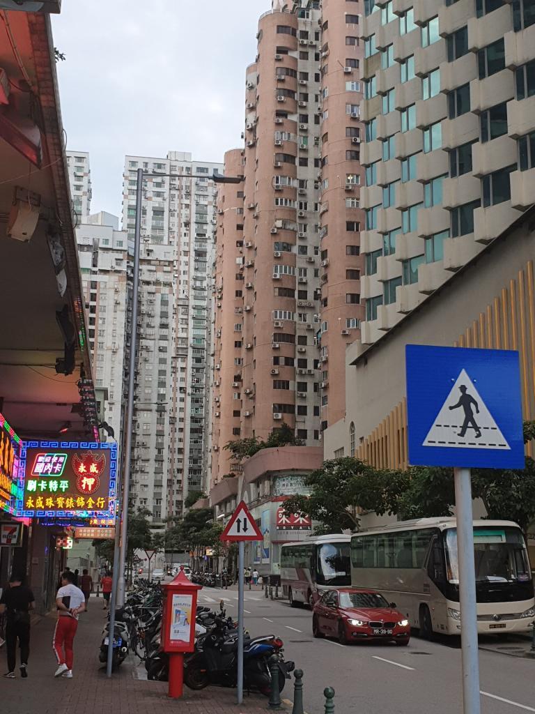 Picturethread: a week in Hong Kong and Macau.-20190630_182230-jpg