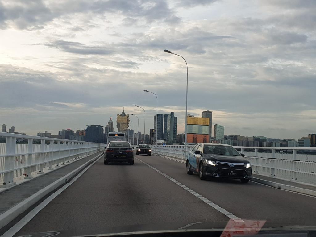 Picturethread: a week in Hong Kong and Macau.-20190630_183633-jpg