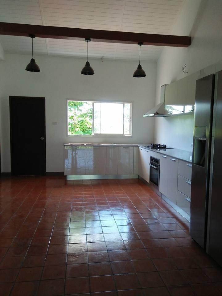 Baanpong House Build-kitchen03-jpg