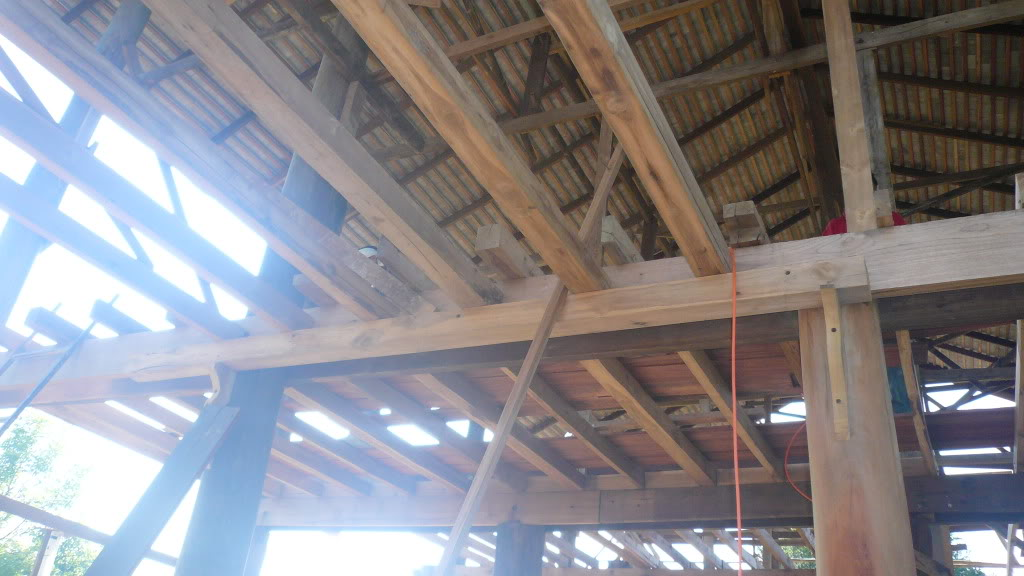 Traditional thai wood house build...-woodhouse4x4joists-jpg