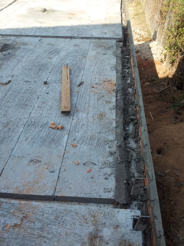 Traditional thai wood house build...-2012-01-08bodgeitprecast-jpg