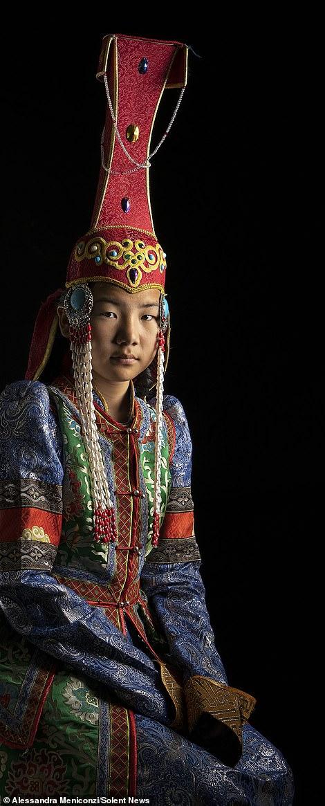 Mandaloopy does China-28698194-8347459-image-m-30_1590141134314-jpg