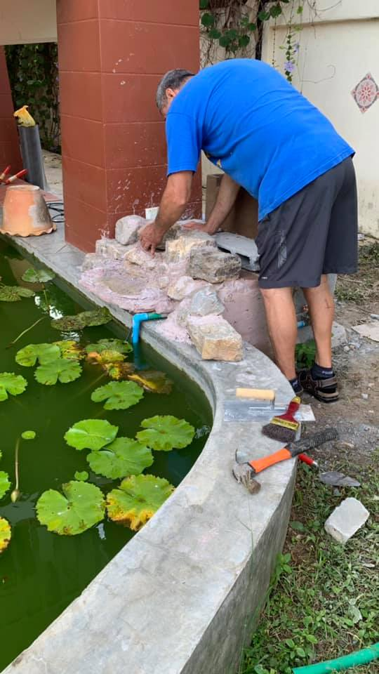 Building a small koi pond waterfall.-water1-jpg