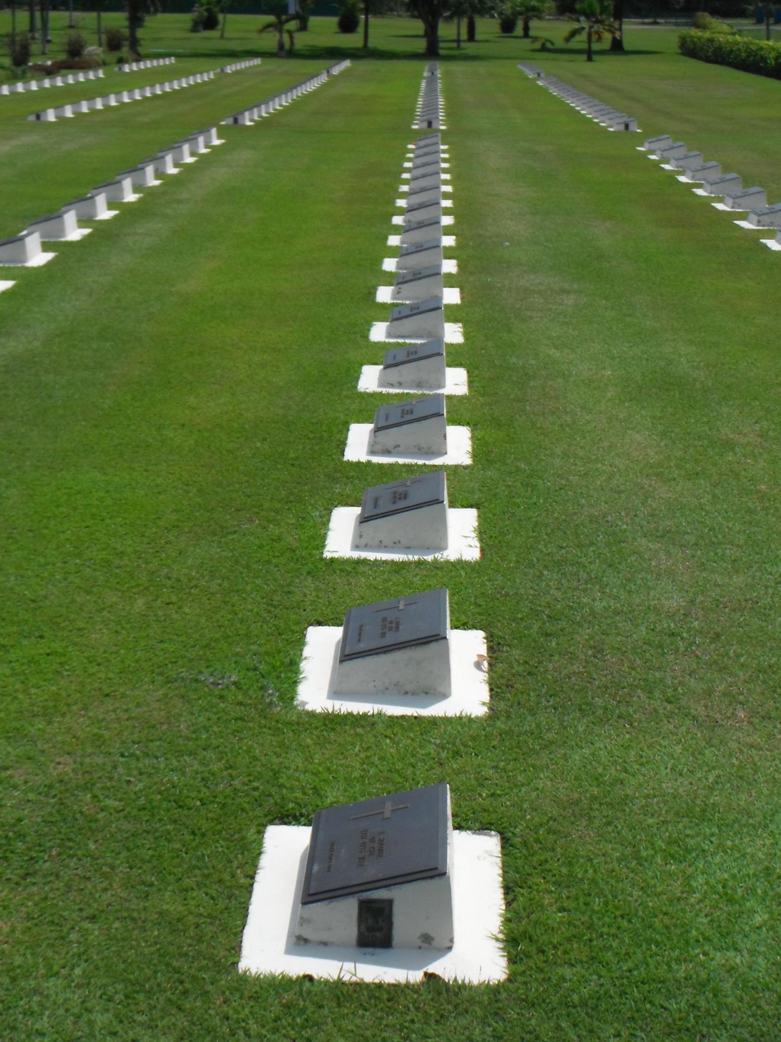 A Visit of Labuan War Cemetery-_scf1760-jpg