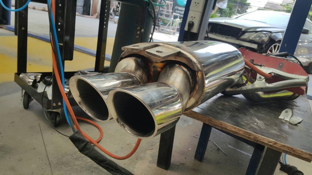 Custom exhaust system-1005209-jpg