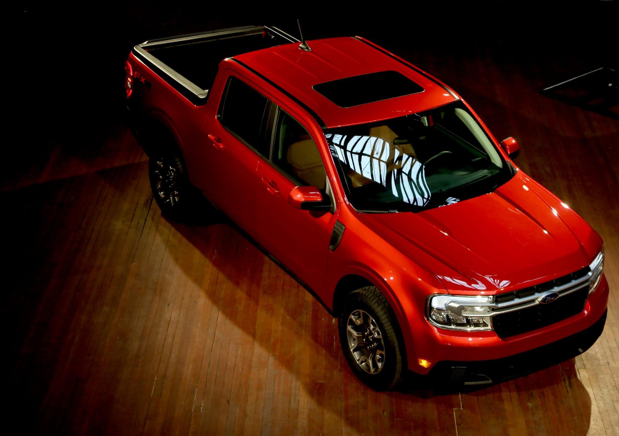 """Ford""""s new Maverick hybrid pickup will get 40 mpg in the city and starts at ,995-2a51707f-ada9-4e75-af2c-b5201c068ad7-fordmavrick_060221_es02"""