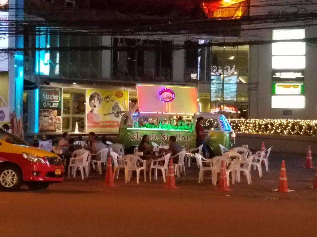 My Pattaya Trip-barcar-jpg