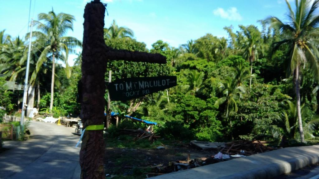 Hiking in the Phils-03_signage-jpg