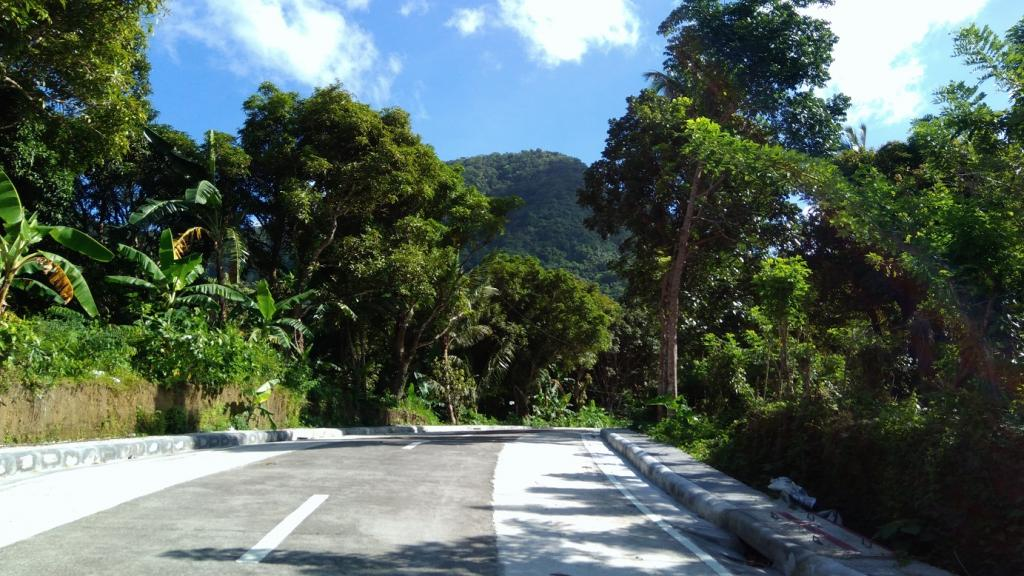 Hiking in the Phils-04_cement_road-jpg