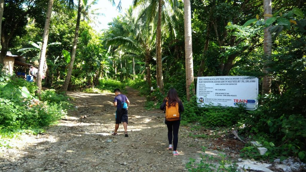 Hiking in the Phils-05_start_trail-jpg