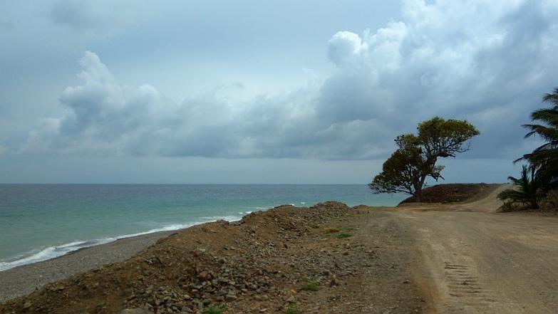 Hiking in the Phils-51_beach1-jpg