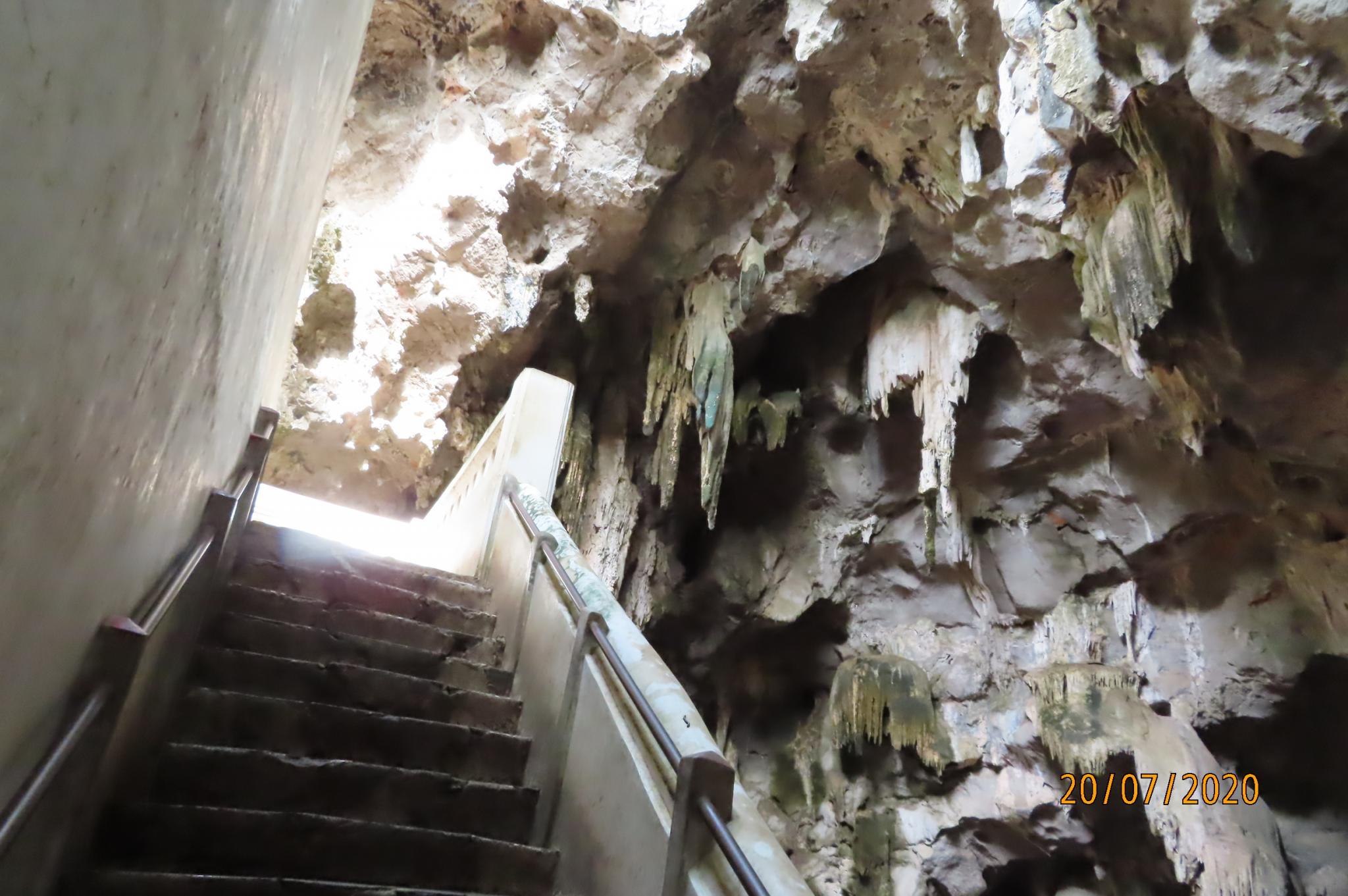 Khao Luang Cave - Petchaburi-img_7911-jpg
