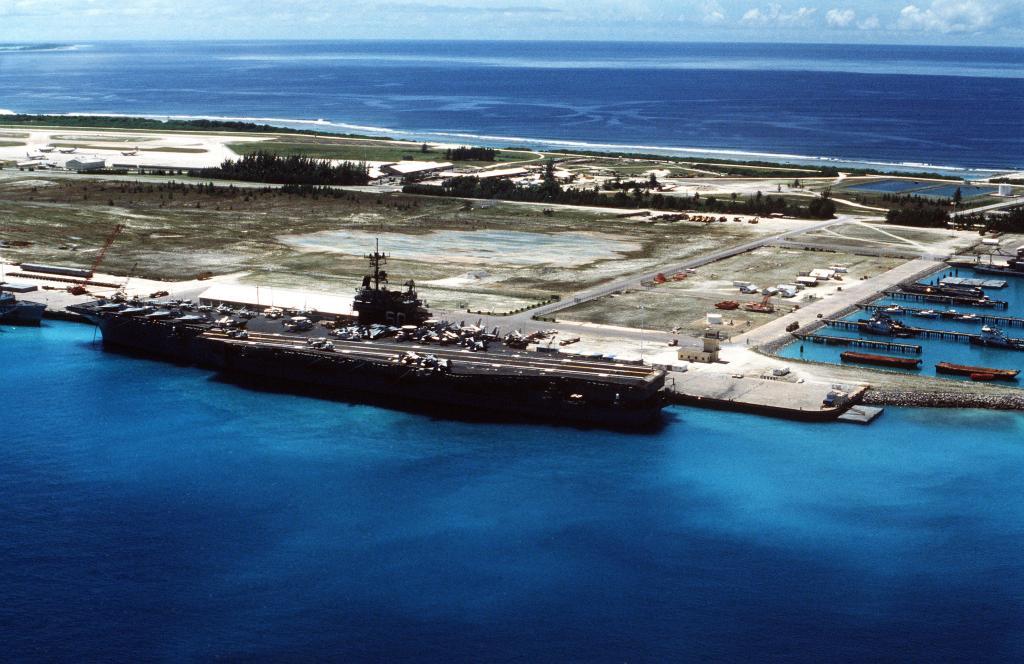 Contact lost with Malaysia Plane.-uss_saratoga_cv-60_at_diego_garcia_in_1987-jpg