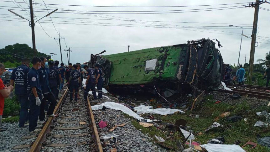 Thailand bus crash: at least 17 killed in collision with train-12752638-16x9-xlarge-jpg