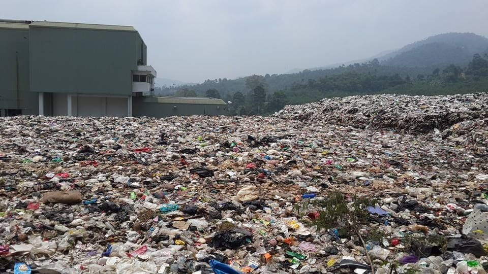 The Death of the Full Moon Party-garbage-problem-jpg