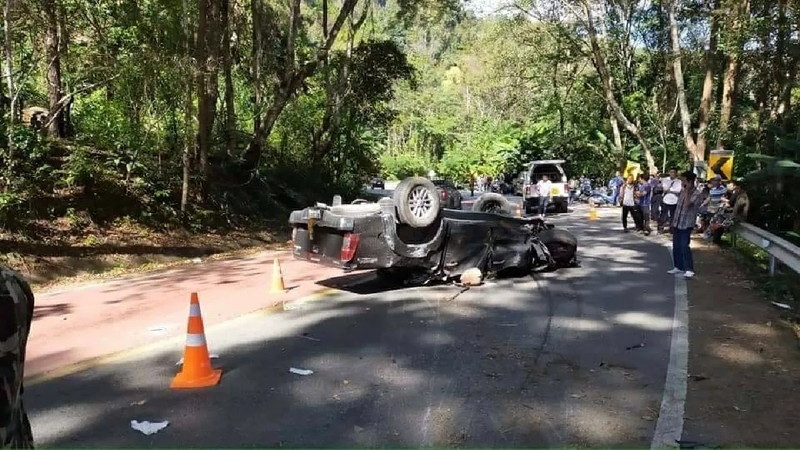 Five killed as pick-up flips on road to Doi Inthanon-800_be24d73a75fb837-jpg