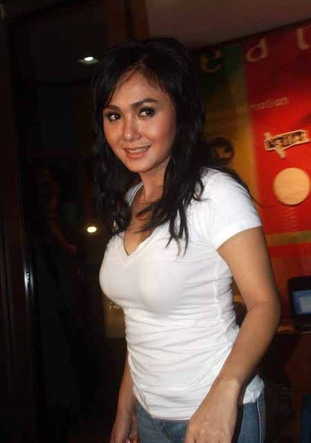 Indonesian singer Yuni Shara denies saying she watches porn with her sons for sex ed.-d1780db155e91a173cbdae52faa57824-jpg