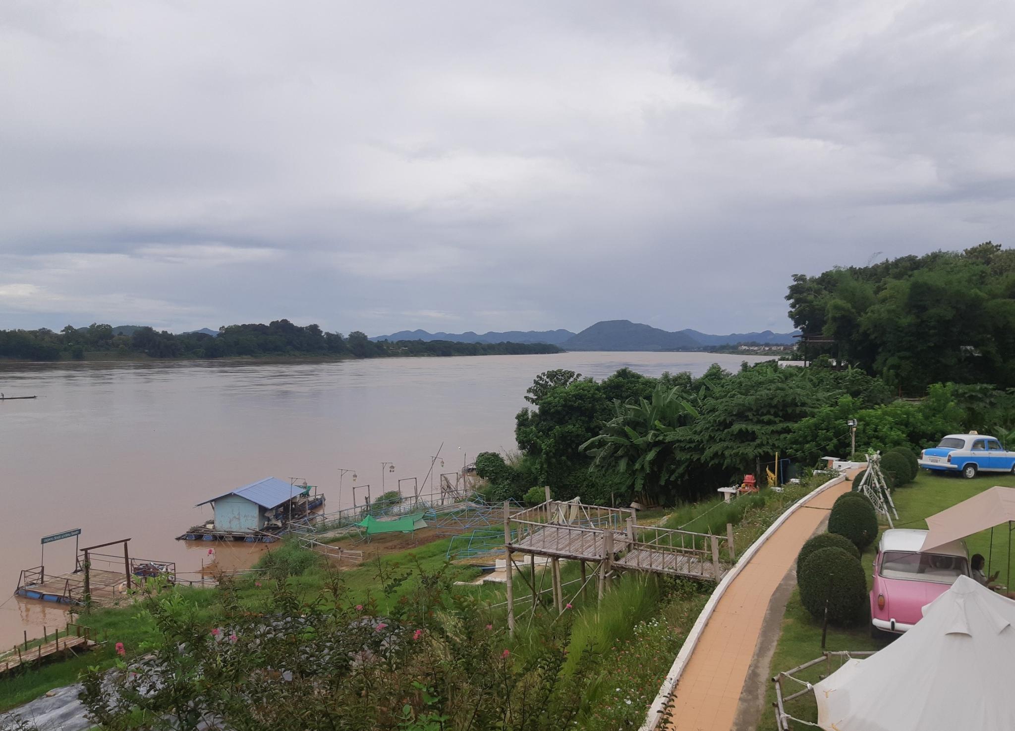 Chiang Khan, the wet weekend-ck3-jpg