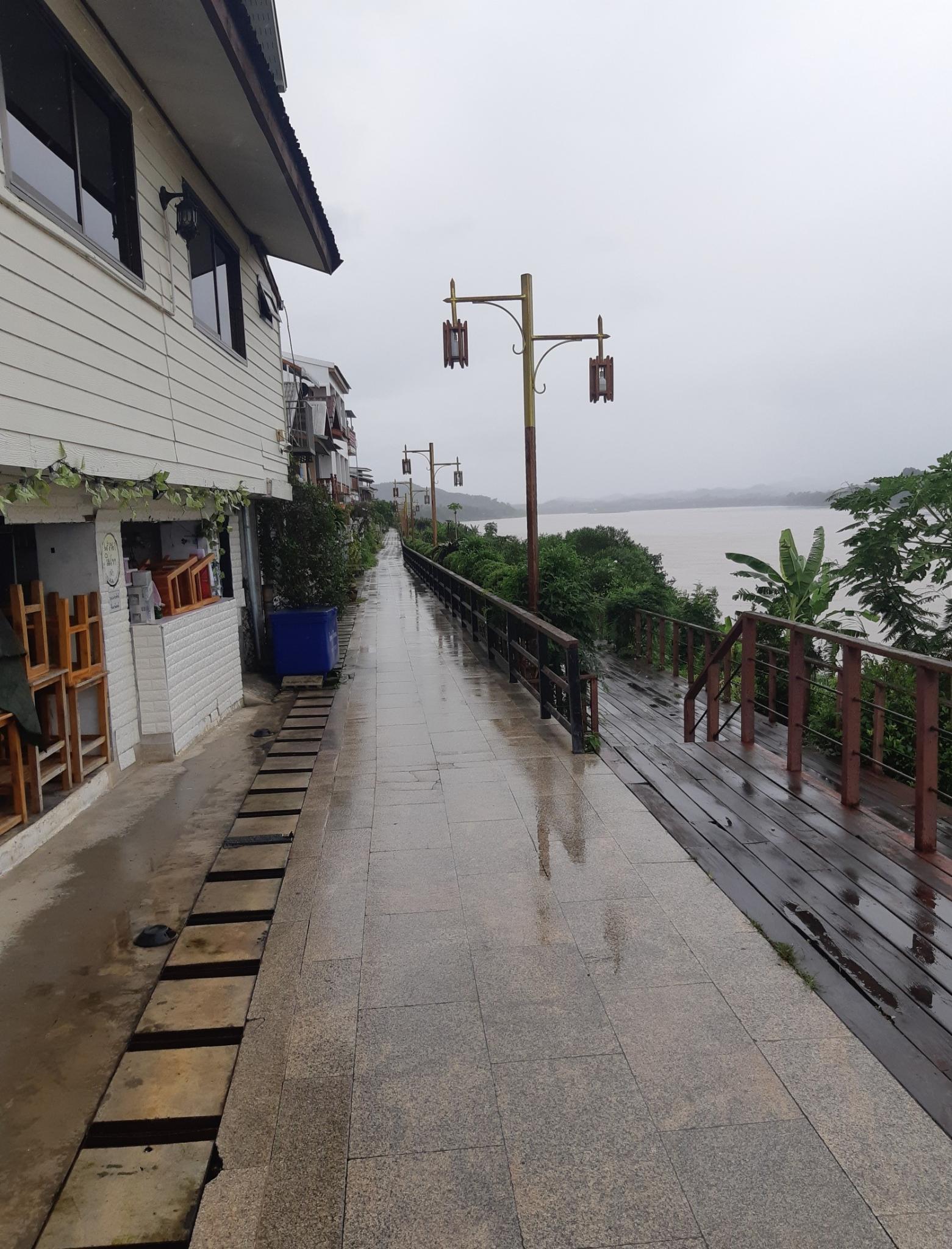 Chiang Khan, the wet weekend-ck14-jpg