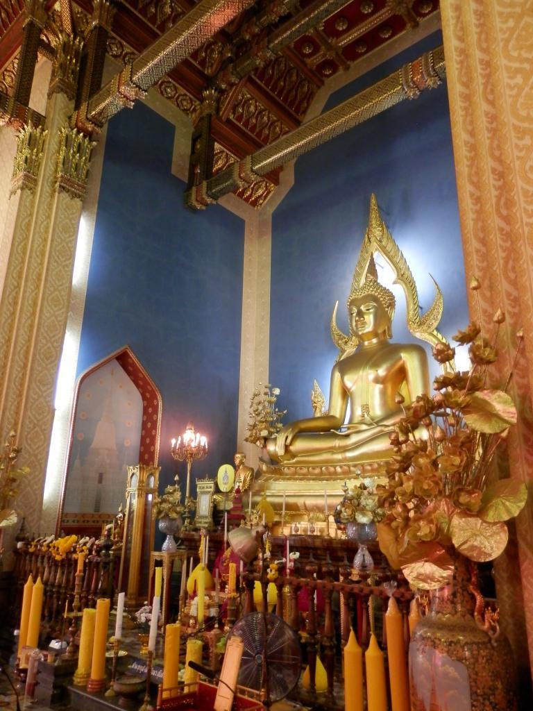 Wat Benchamabophit ... The Marble Temple-p9110047-jpg