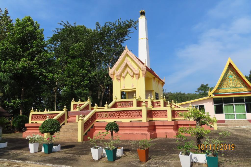 Trat Province Wat Bupharam-img_9645-jpg