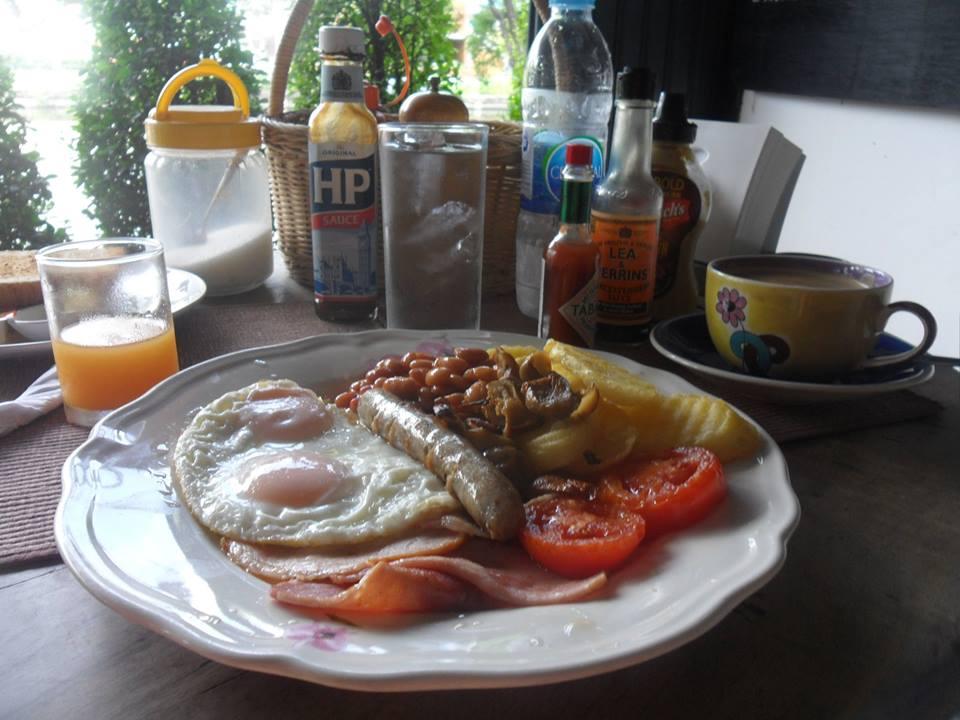 Breakfast-10338252_10201992693005084_4658838134541516438_n-jpg