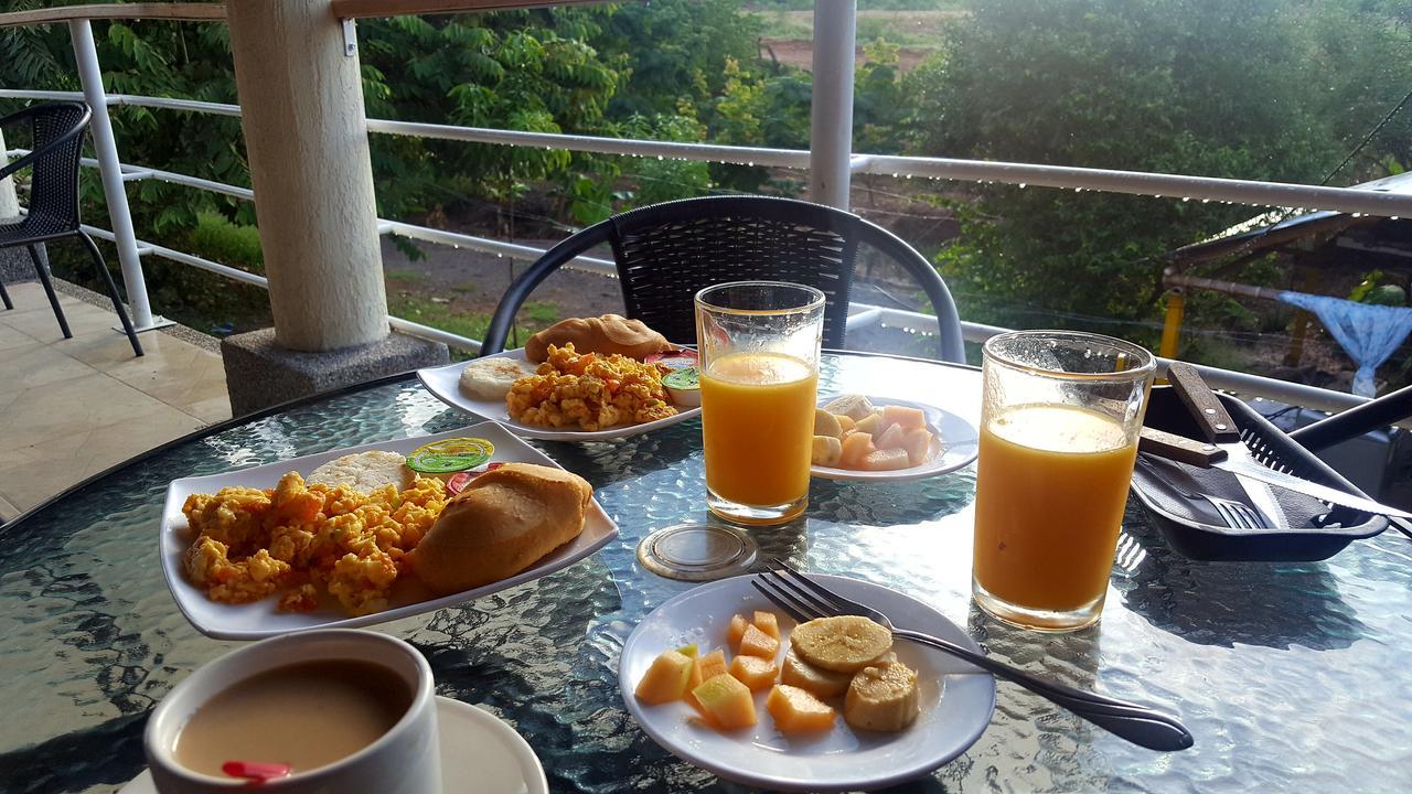 Breakfast-bfast-jpg