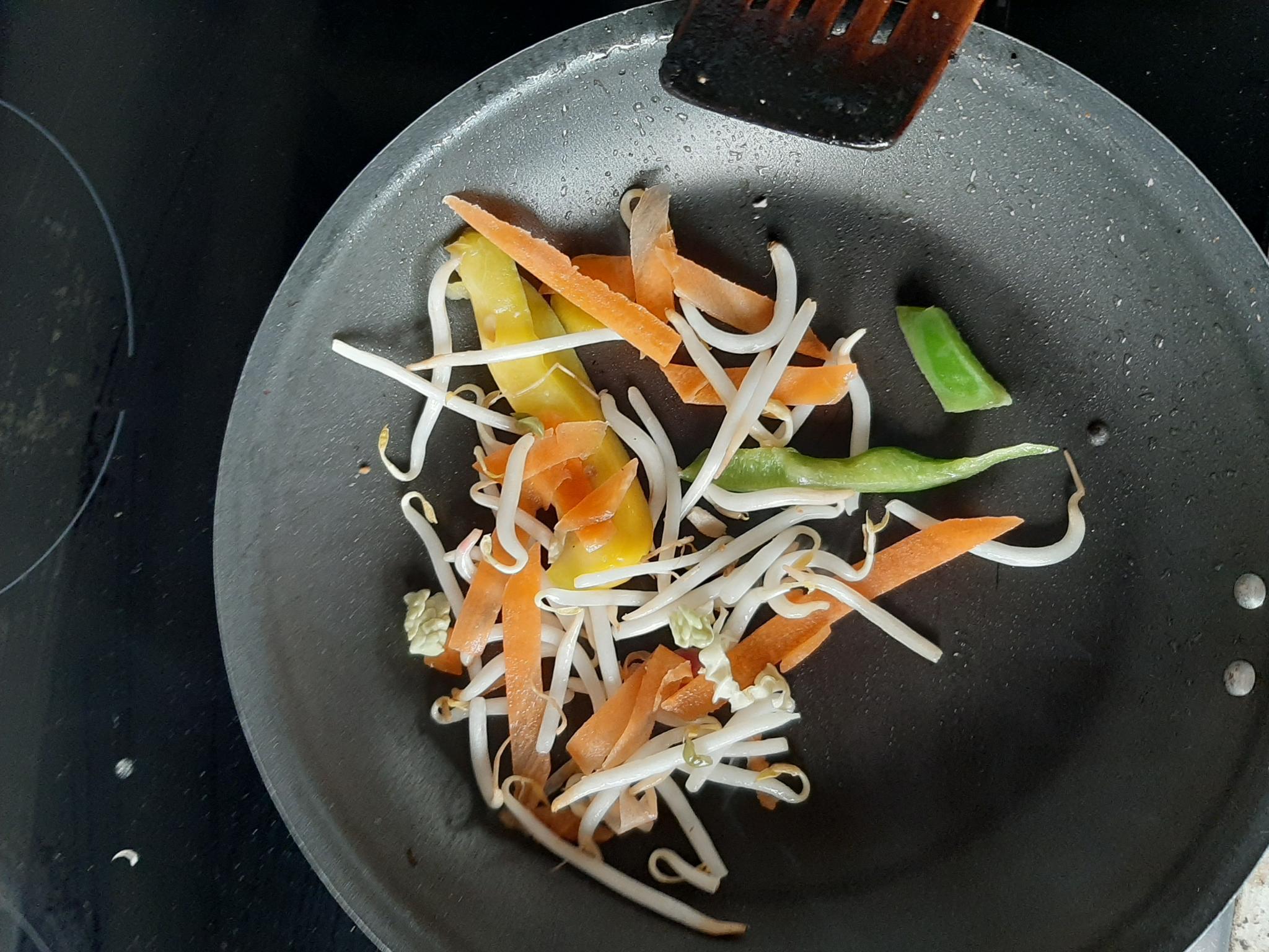 Prawn Hoisin & Plum Egg Noodles With Side Salad-20200610_173124-jpg