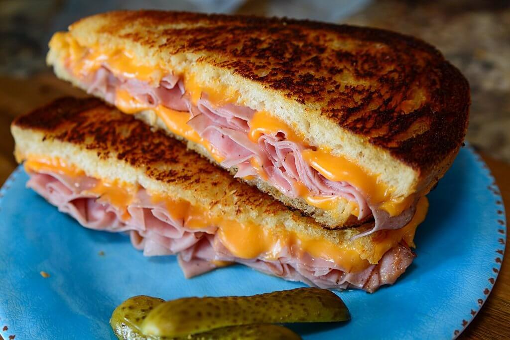 Drunk food-grilled-ham-cheese-sandwich13-1024x683-jpg