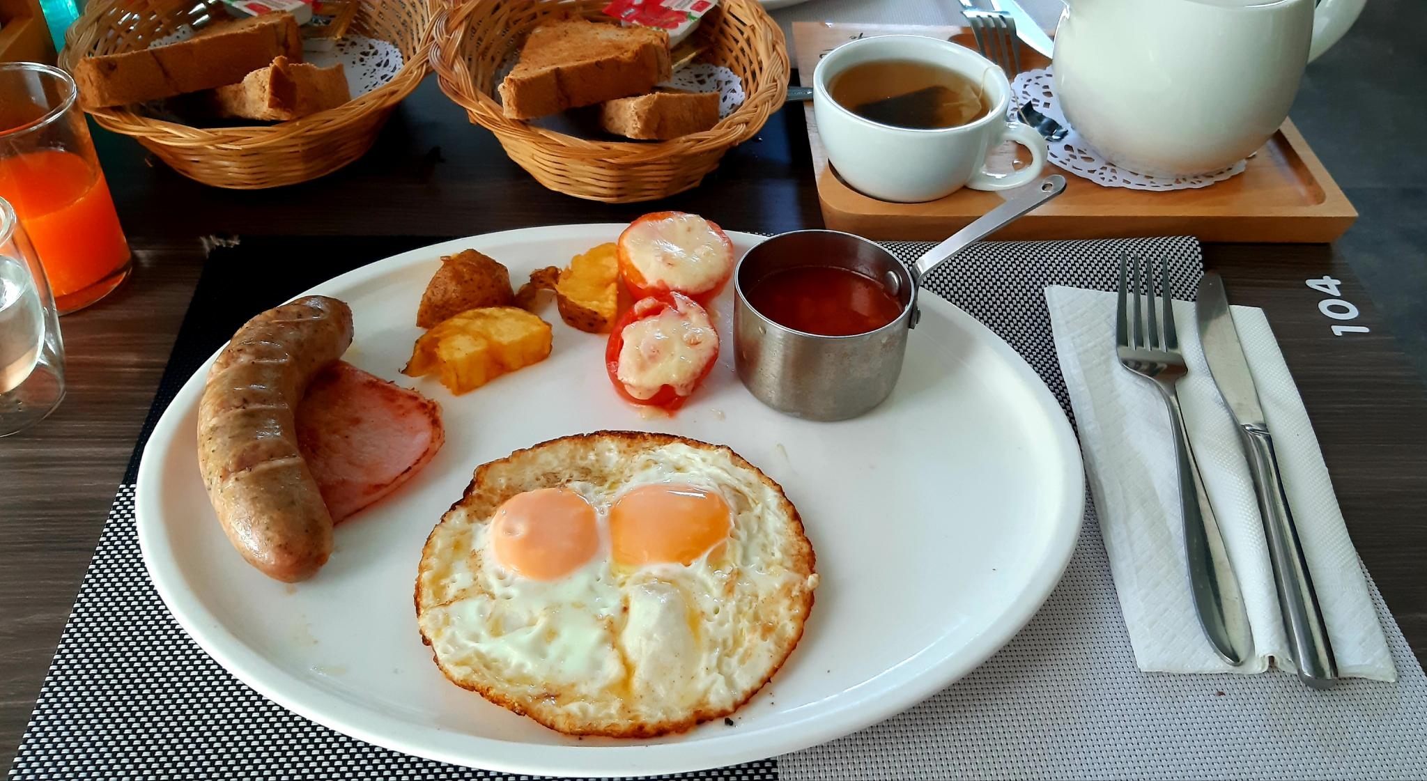 The Best Breakfast in the World Step by Step.: the Full English-20210502_180314-jpg