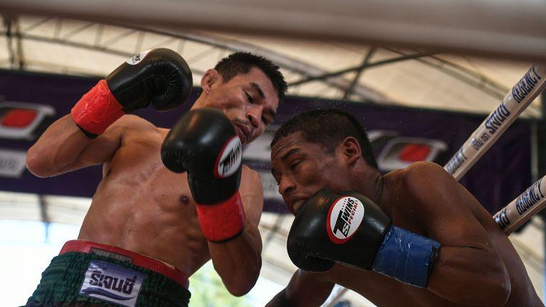 Wanheng Menayothin retires unbeaten in 54 fights: Is boxing's best record a sham?-wa3-jpg
