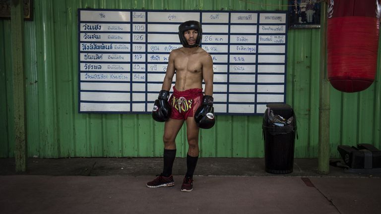 Wanheng Menayothin retires unbeaten in 54 fights: Is boxing's best record a sham?-wa4-jpg