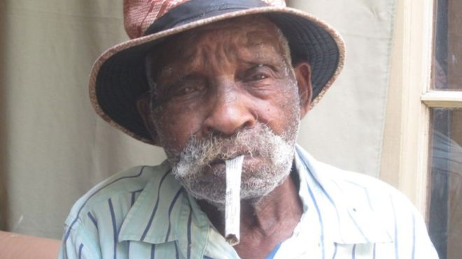 'world's oldest man' wants to stop smoking-_101693054_oldie4-jpg