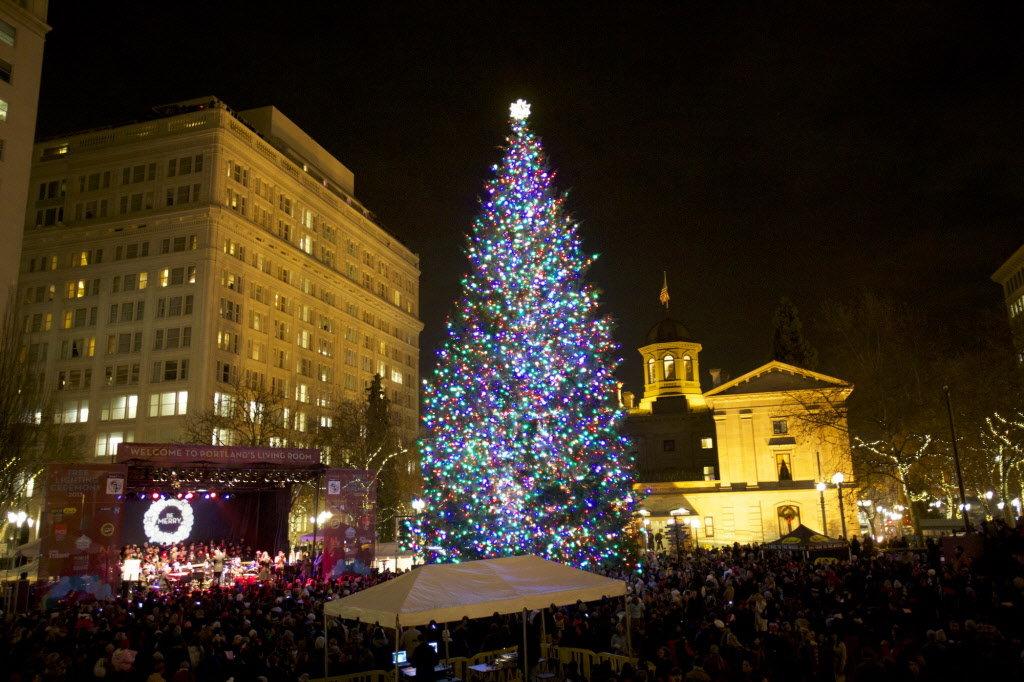 Where's the TD Xmas decorations ?-christmasportlandjpg-e766355a97be85fd-jpg