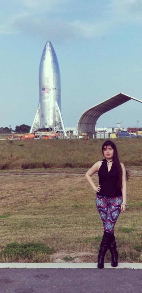 SpaceX - On to Mars-dwmco2vvaaemj6m-jpg