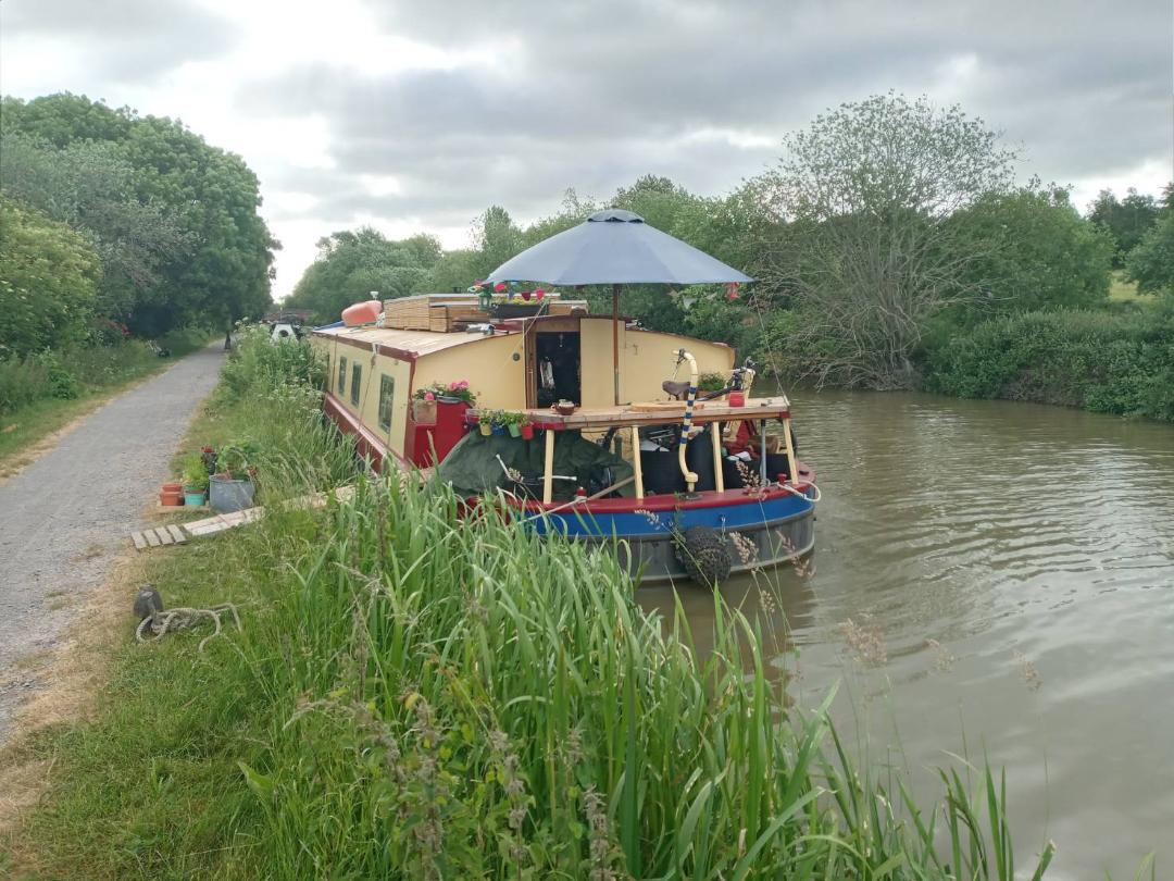 Post any pic anytime as many as u like-thames-bargev1-jpg
