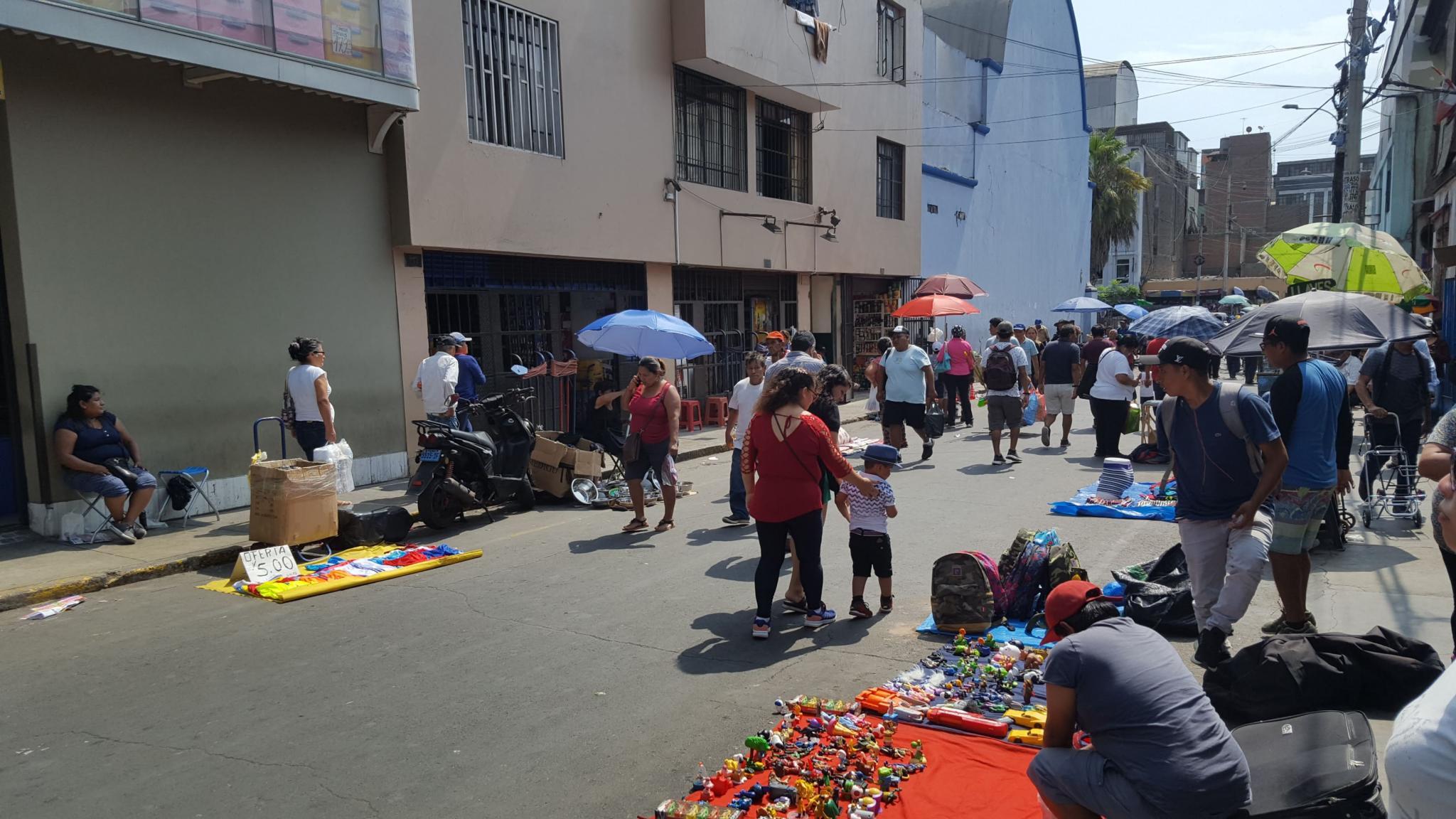 Peru: Lima, Cusco and Machu Picchu-downtown-chaos-jpg