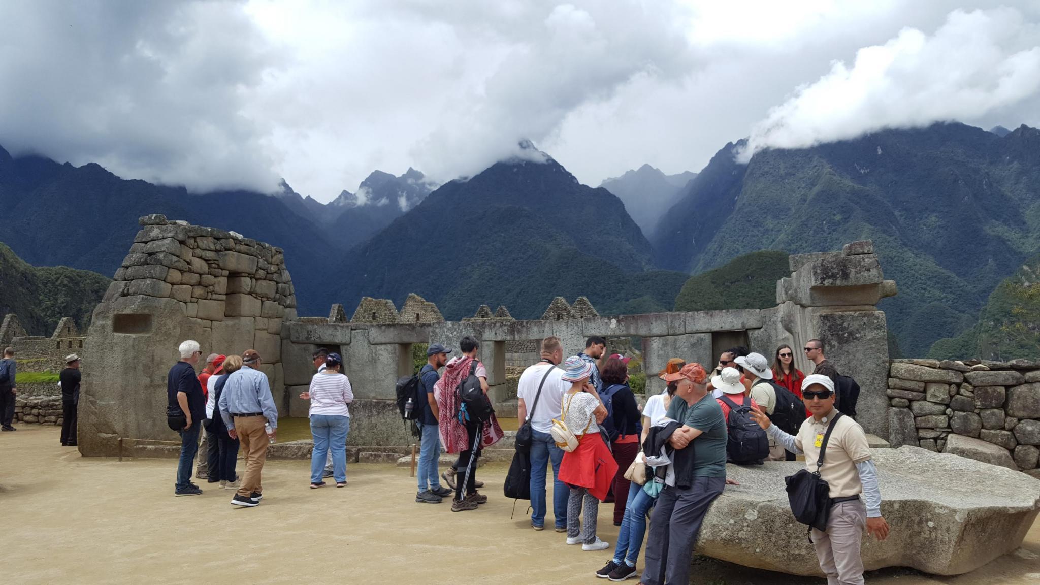 Peru: Lima, Cusco and Machu Picchu-tourists-machu-jpg