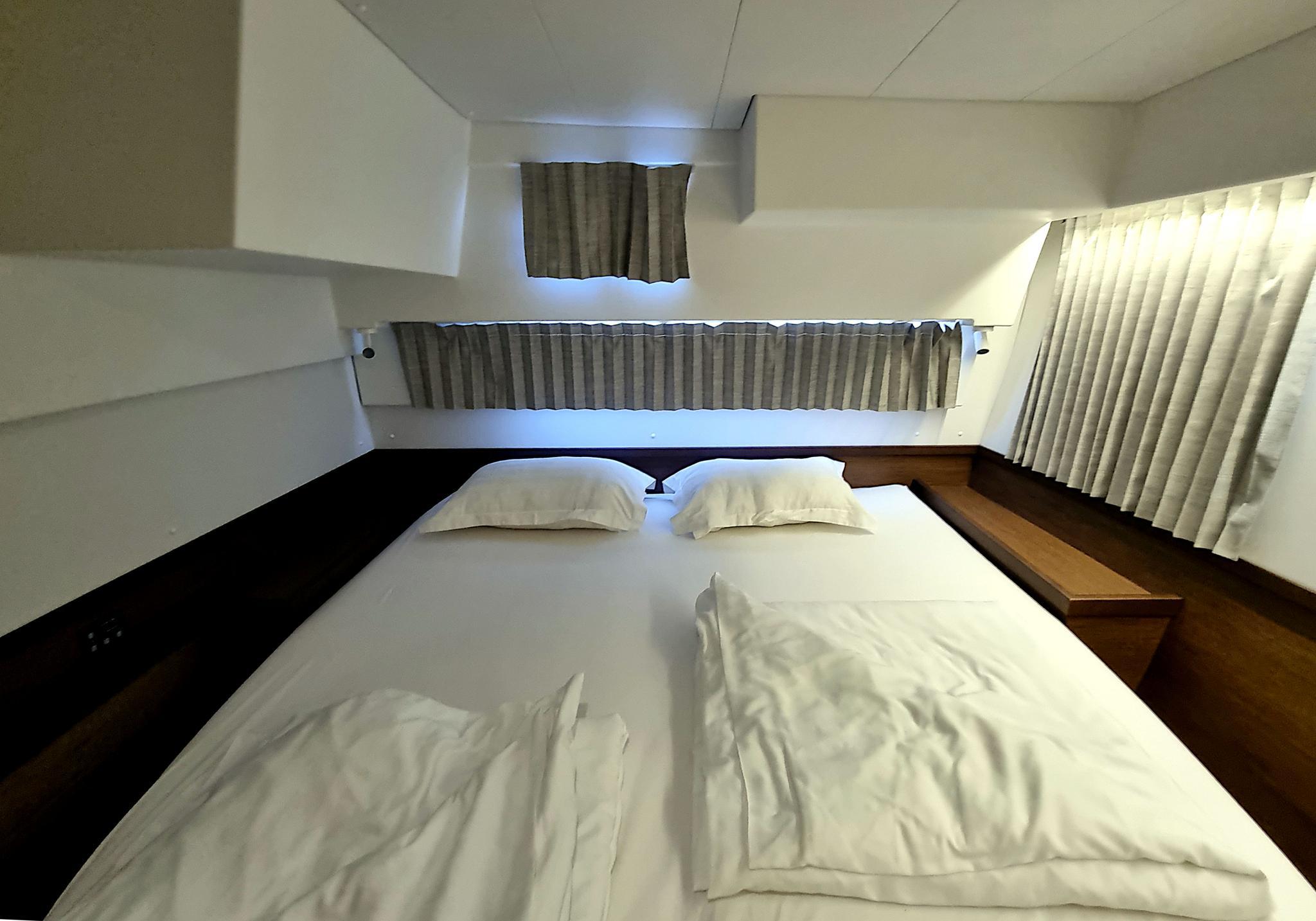 Week Sailing in Croatia-cat_bedroom-jpg