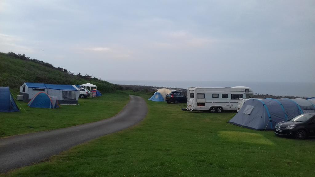 Chitty's discombobulating and intoxicating Welsh glamping expedition.-20180530_180311-jpg