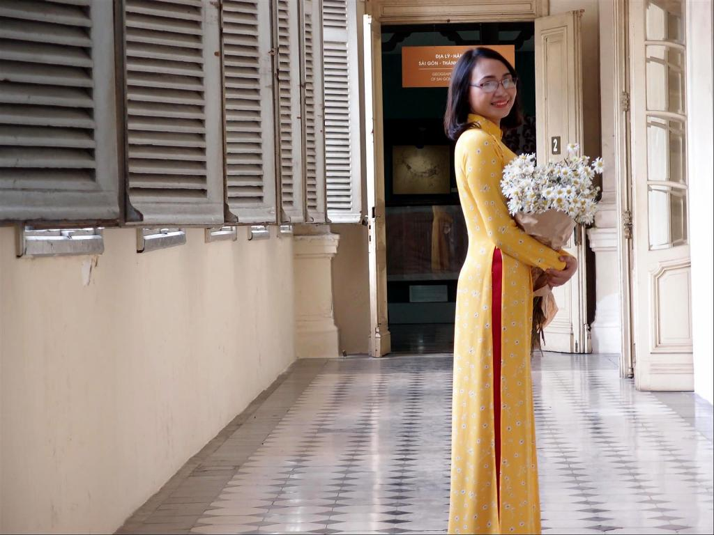 A Stroll around Saigon-pc012295-jpg