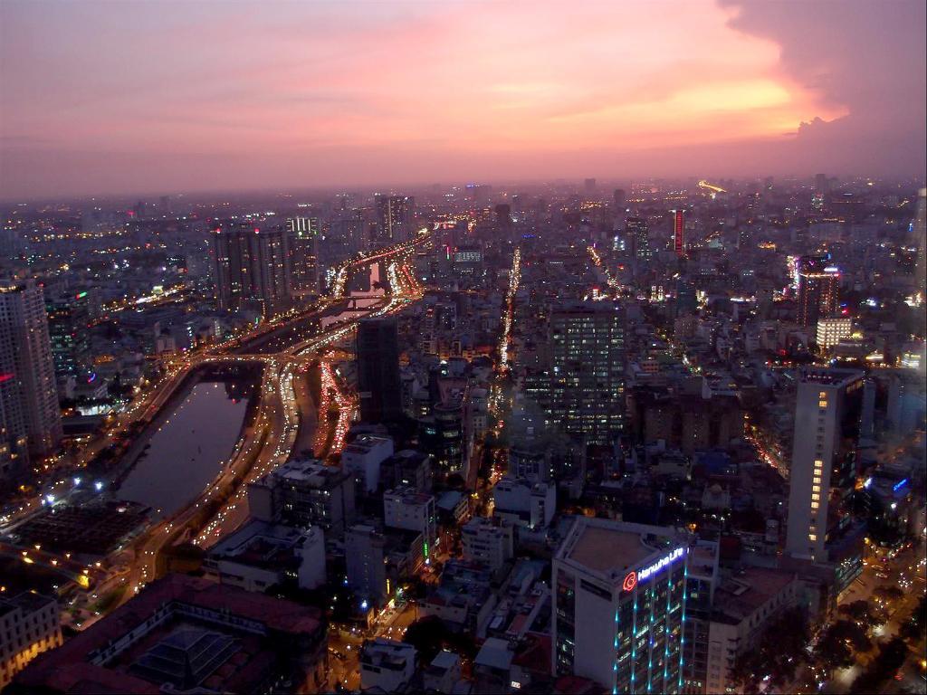 A Stroll around Saigon-pb302214-jpg